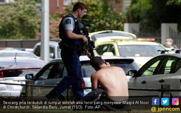 Pembantai di Masjid Selandia Baru Beraksi Sambil Live di Facebook