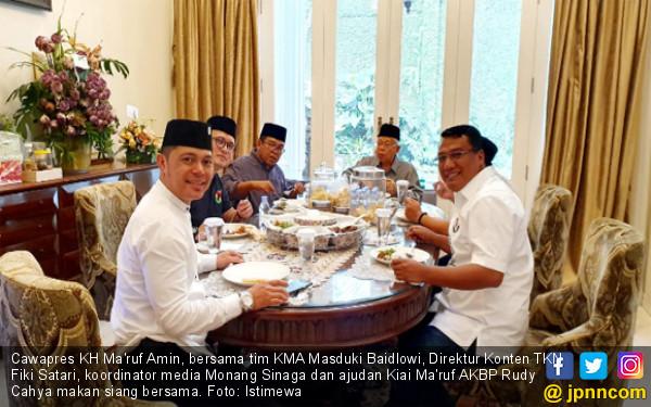 Jelang Debat Cawapres, Ma'ruf Amin Santai Bersama Istri - JPNN.COM