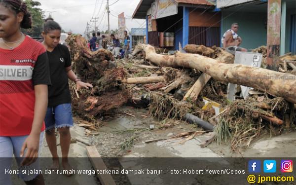 Update Banjir Sentani: 50 Orang Meninggal, 2 Pesawat Terbang Rusak - JPNN.COM