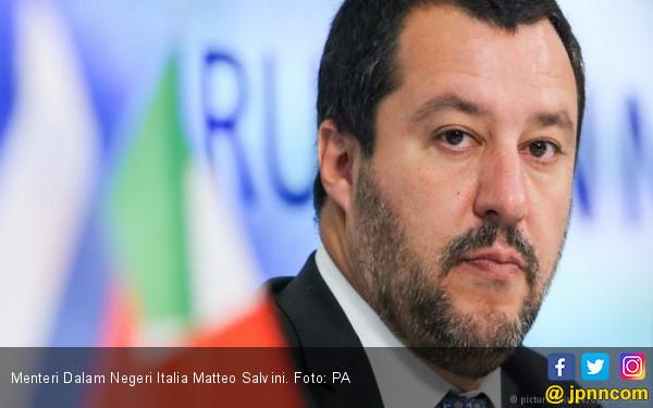 49 Muslim Dibantai Pembenci Imigran, Mendagri Italia Malah Serang Islam - JPNN.COM