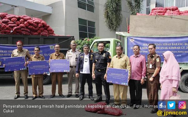 Bea Cukai Aceh Hibahkan 30 Ton Bawang Merah Kepada Pemerintah - JPNN.com