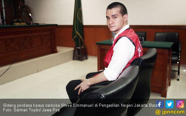 Soal Pindah Keyakinan, Steve Emmanuel: Sesuai KTP Aja - JPNN.com