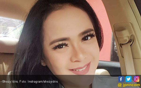 Cerita Shezy Idris Sempat jadi Target Sasaran Vicky Prasetyo, mau Dilamar - JPNN.com