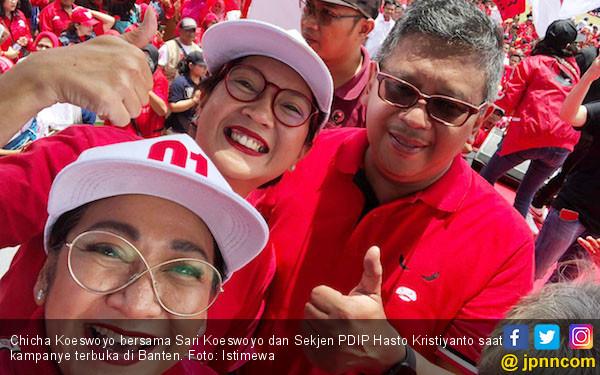 Gaet Pemilih Galau, Chicha Koeswoyo Kenalkan Goyang 01 dan 3 - JPNN.com