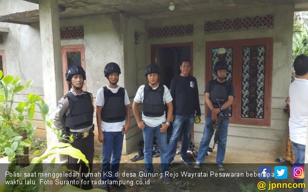 Soal Terduga Teroris di Gunung Rejo, Pak Kades Bilang Begini - JPNN.com