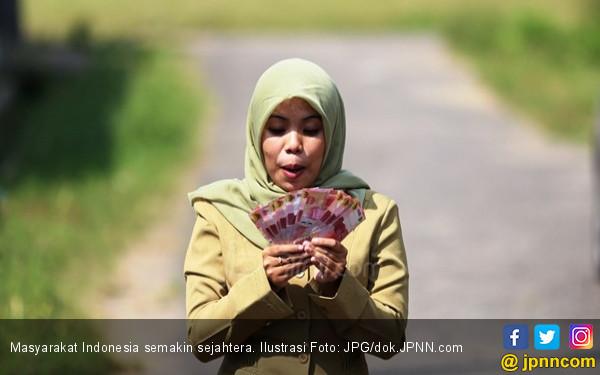 Hasil Survei: Masyarakat Indonesia Kian Sejahtera