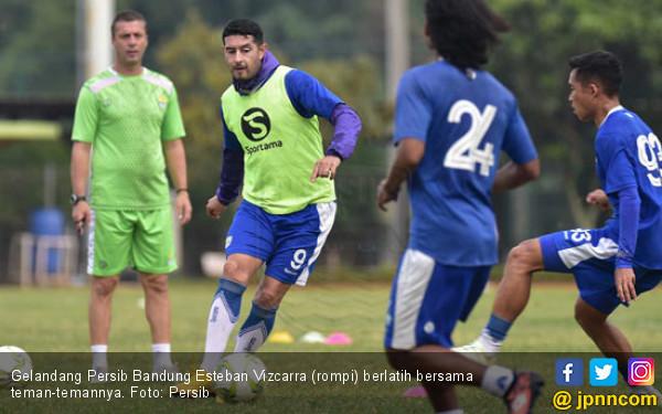 Kehadiran Zola jadi Angin Segar Bagi Persib Bandung - JPNN.com