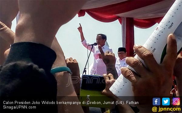 Sindir Jokowi, Fadli Zon: Baju Kotak-Kotak Memecah Belah Indonesia - JPNN.com