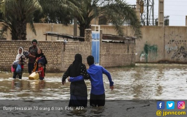 Banjir Sapu Wilayah Gersang di Iran, 70 Nyawa Melayang - JPNN.com