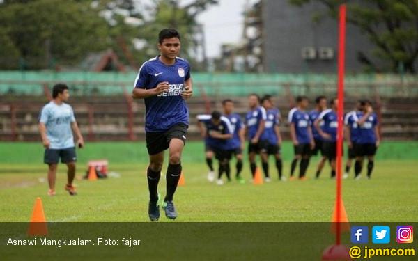 Bek PSM Makassar Asnawi Mangkualam Sering Dimarahi Ayah di Rumah - JPNN.com