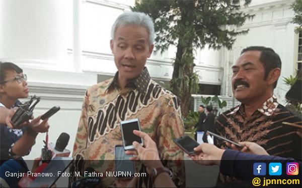 Tepukan BJ Habibie di Pundak Gubernur Ganjar yang Sarat Makna - JPNN.com
