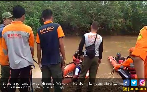 Bocah Hanyut Terseret Arus Sungai Wayrarem Belum Ditemukan - JPNN.com