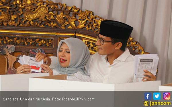 Menggemaskan, Sandiaga Uno Bikin Nur Asia Tertawa - JPNN.com