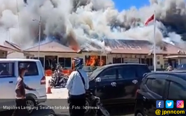 Ini Penyebab Mapolres Lampung Selatan Terbakar - JPNN.com