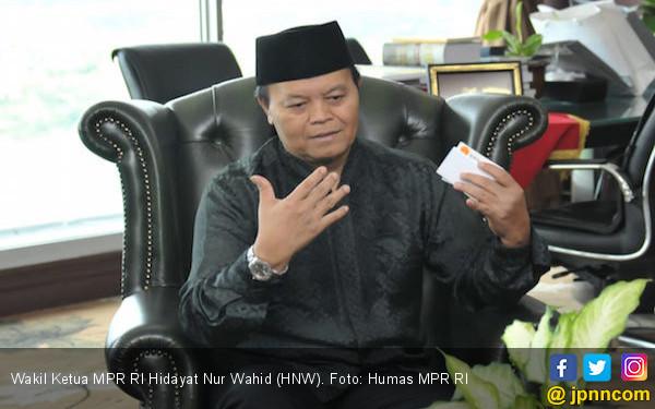 Ustaz HNW Kritik Jokowi Soal Pemindahan Ibu Kota Negara - JPNN.com