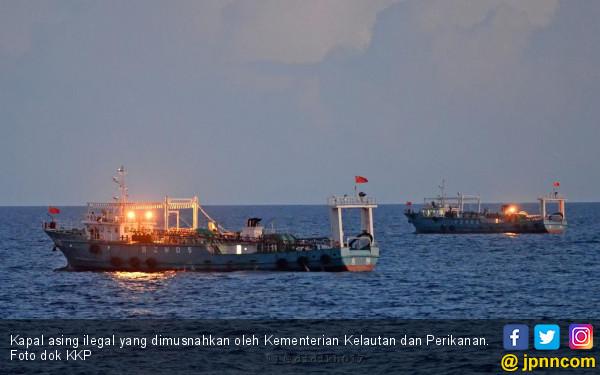 KKP Tangkap Kapal Ikan Ilegal Berbendera Malaysia - JPNN.com