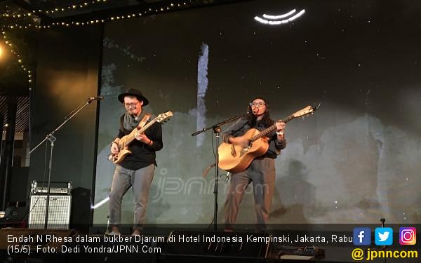 Endah N Rhesa Bawakan Lagu Opick di Acara Bukber Djarum - JPNN.com