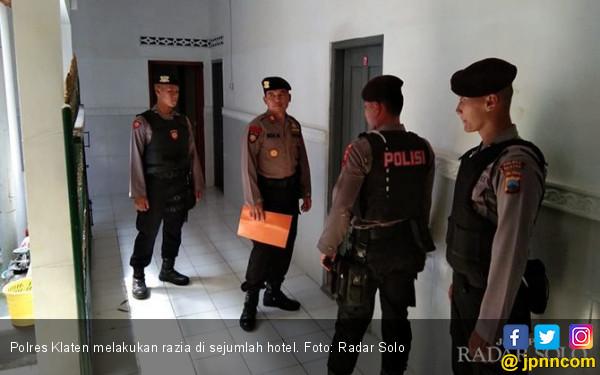 Puasa - Puasa Berduaan di Hotel, Akhirnya Dibawa Polisi - JPNN.com