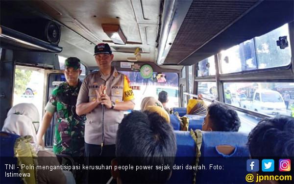 Cegah Massa Ke Jakarta Tni Polri Razia Kendaraan Di: Antisipasi People Power, Polres Ciamis Razia Massa Yang Ke
