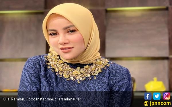Berkah Ramadan, Olla Ramlan Kini Mantap Berhijab - JPNN.com