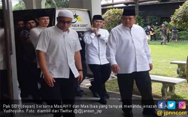 Kesedihan Pak SBY Sangat Kurasakan, Bu Ani Yudhoyono Memang Spesial - JPNN.com