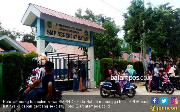 Hasil PPDB Sulit Diakses, Orang Tua Siswa: Kalau Tak Siap Online Manual Saja - JPNN.com