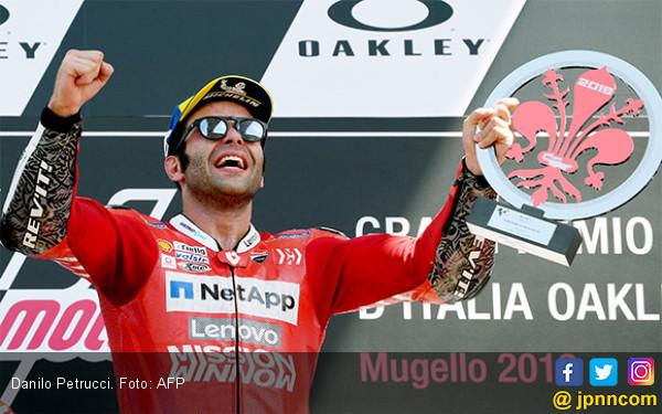 Danilo Petrucci Memenangi MotoGP Italia yang Menegangkan - JPNN.com