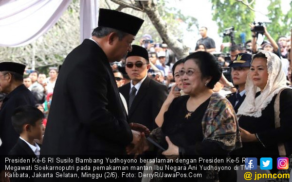 Momen Pak SBY dan Bu Mega Bersalaman di TMP Kalibata - JPNN.com