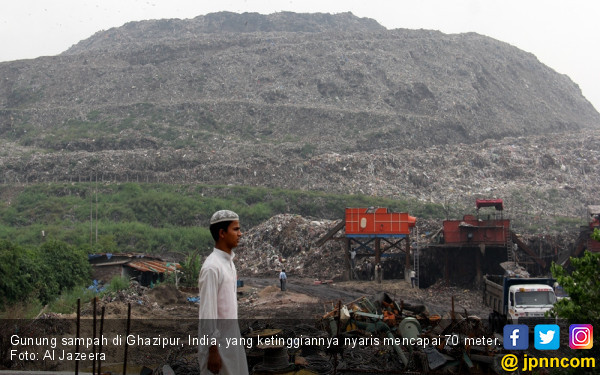 Gunung Sampah Setinggi Taj Mahal Ancam Warga Ghazipur - JPNN.com