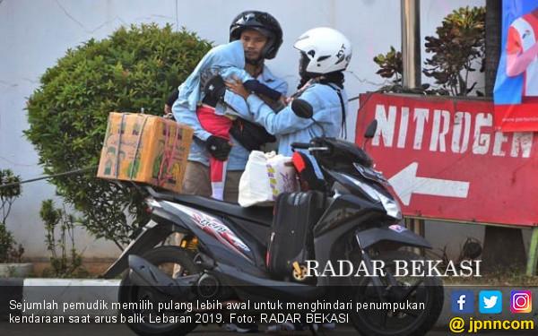 Arus Balik, Pemudik Motor Mulai Melintas di Bekasi - JPNN.com