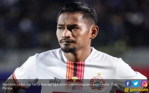 Ramdani Lestaluhu Mengalami Patah Bahu - JPNN.com