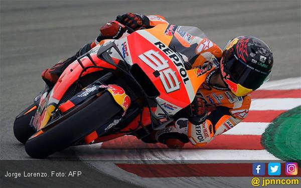 Biang Insiden MotoGP Catalunya, Lorenzo Minta Maaf ke Dovizioso, Vinales dan Rossi - JPNN.com