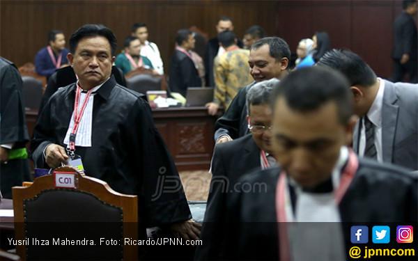 Kubu Prabowo - Sandi Ganti Saksi, Yusril Singgung Kafarat dalam Hukum Islam - JPNN.com