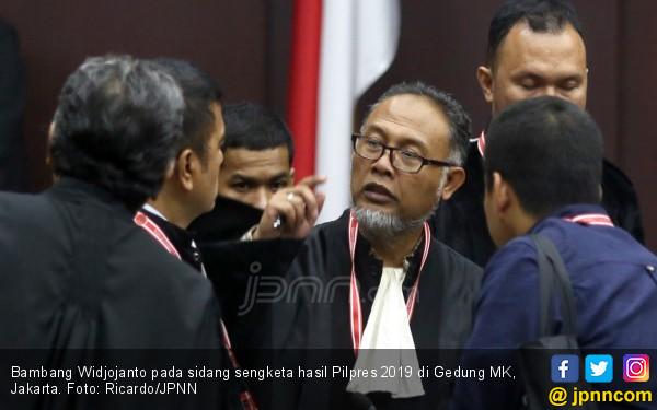 Bambang Widjojanto Minta Politisasi Bansos COVID-19 oleh Kepala Daerah Diwaspadai - JPNN.com