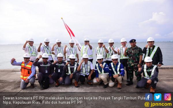 Dewan Komisaris PT PP Kunjungi Proyek Tangki Timbun Pulau Nipa - JPNN.com