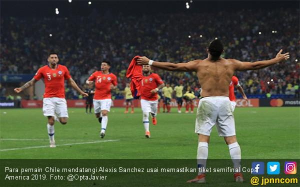Diwarnai 2 Gol yang Dianulir VAR, Chile Singkirkan Kolombia Lewat Adu Penalti - JPNN.com