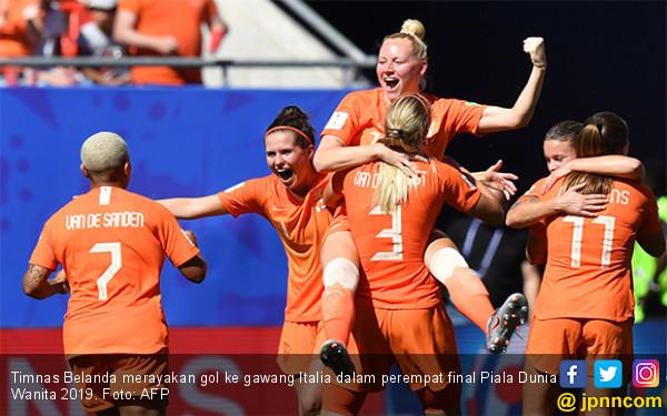 Tampil Lebih Seksi, Belanda Singkirkan Italia di Perempat Final Piala Dunia Wanita 2019 - JPNN.com