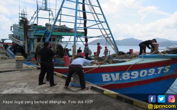 KKP Tangkap Satu Kapal Ilegal Malaysia - JPNN.com