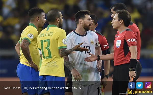 Lionel Messi Kesal, Klaim 2 Penalti Untuk Argentina dan Sebut Wasit Enggak Becus - JPNN.com