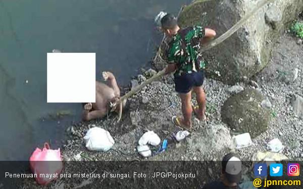 Hiii...Ada Mayat Pria Tanpa Busana Mengambang di Sungai, Siapa Dia? - JPNN.com