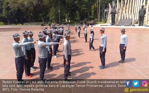 Begini Cara Membentuk Karakter Generasi Baru Indonesian Coast Guard - JPNN.com