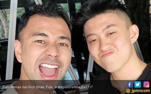 Raffi Ahmad Nyaris Menangis Dengar Kabar Lamborghini Miliknya Terbakar - JPNN.com