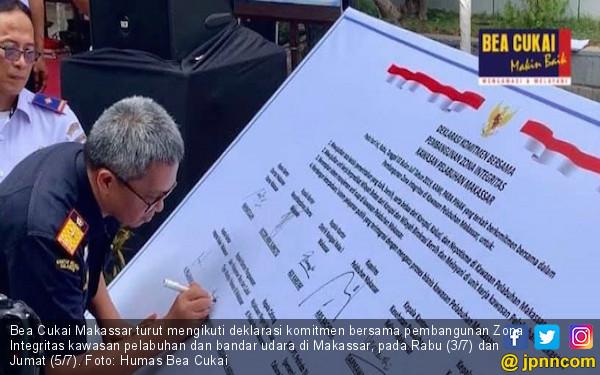 Bea Cukai Makassar Ikut Mendeklarasikan Zona Integritas Kawasan Pelabuhan dan Bandara - JPNN.com