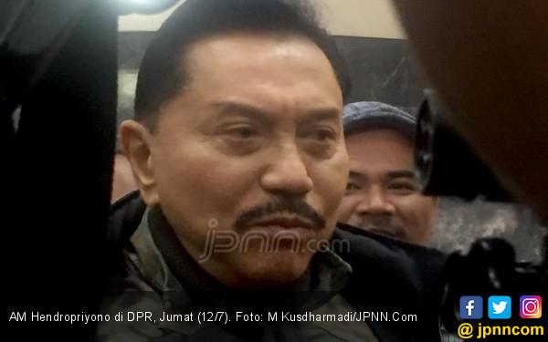 Hendropriyono Senang Jokowi Ingin Menteri Muda Ada di Kabinet - JPNN.com