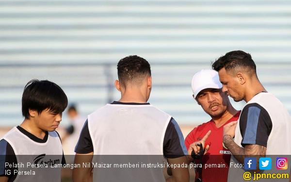 Nil Maizar Beber Resep Jadikan Persela Lebih Sangar - JPNN.com