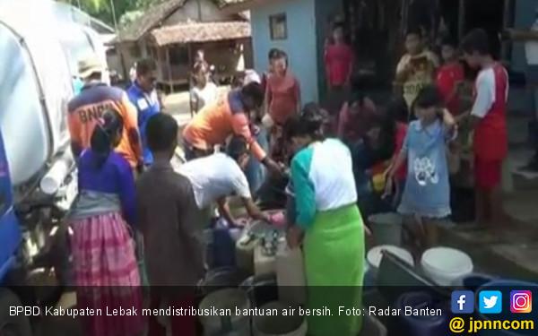Warga Oteng Lebak Akhirnya Dapat Bantuan Air Bersih - JPNN.com