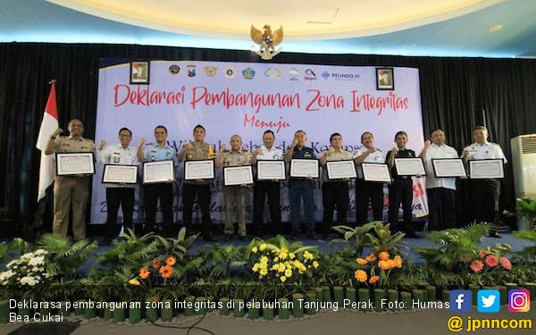 Bea Cukai Tanjung Perak Deklarasikan Zona Integritas Wilayah Bebas Korupsi - JPNN.com