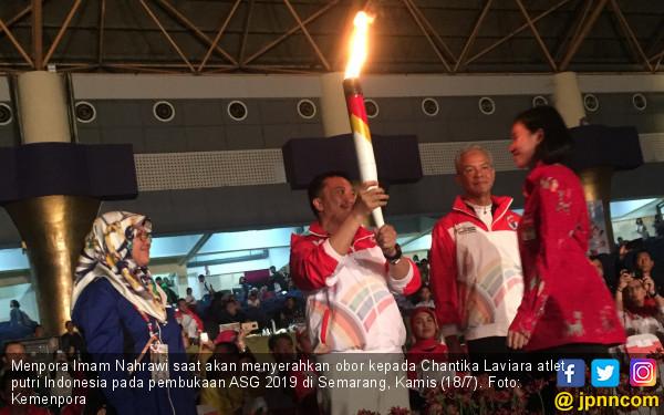 Ditandai Pemukulan Kok, Menpora Resmi Buka ASEAN Schools Games 2019 - JPNN.com