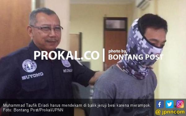 Bela Kaget Tiba-Tiba Erik Ada di Balik Pintu - JPNN.com