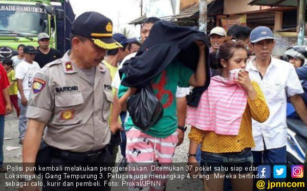 Mbak Ina dan Ica Lakukan Perbuatan Terlarang Bersama 2 Pria di Rumah - JPNN.com